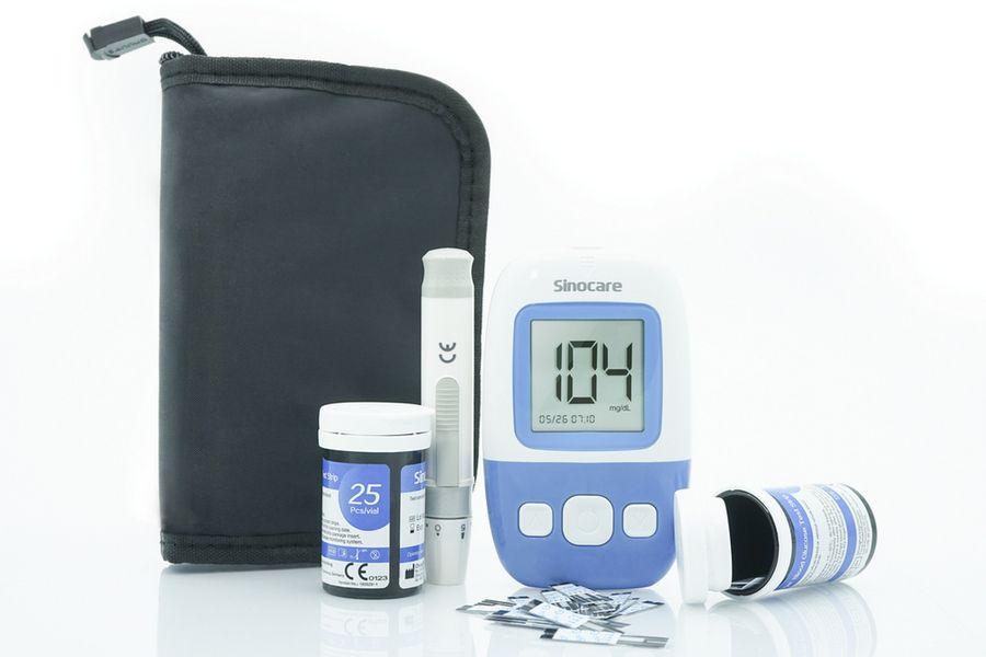 Sinocare glukometr Safe AQ Angel + 50 proužků + 50 lancet + 2x kontrolní roztok